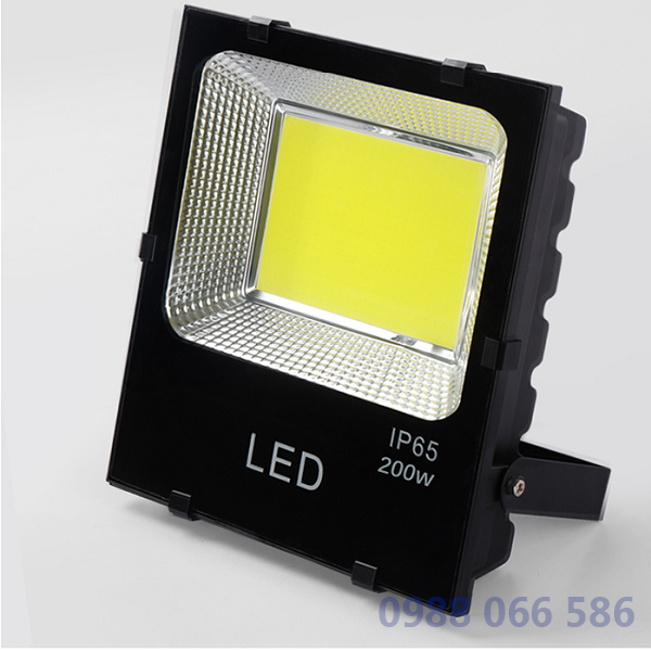den pha led 200w chat luong